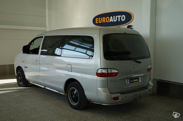 Hyundai H-1 3