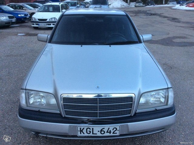 Mercedes-Benz 180 2