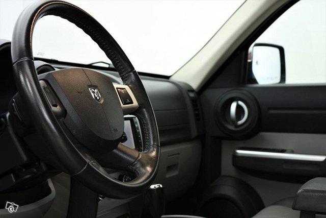 Dodge Nitro 4