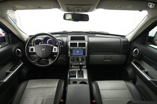Dodge Nitro 5