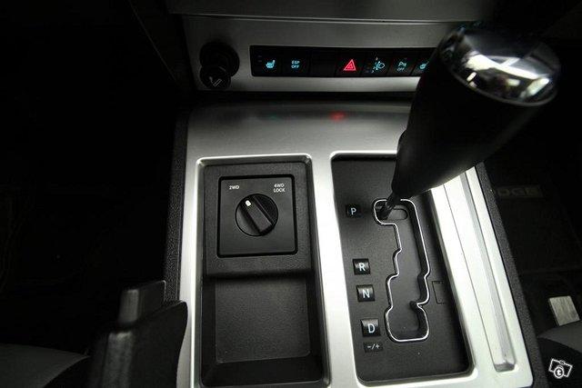 Dodge Nitro 10