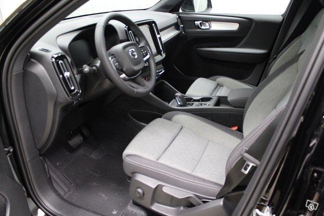 Volvo XC40 3
