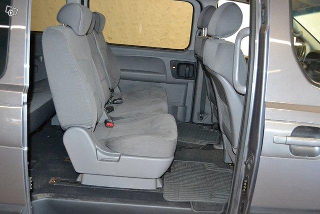 Hyundai H-1 4