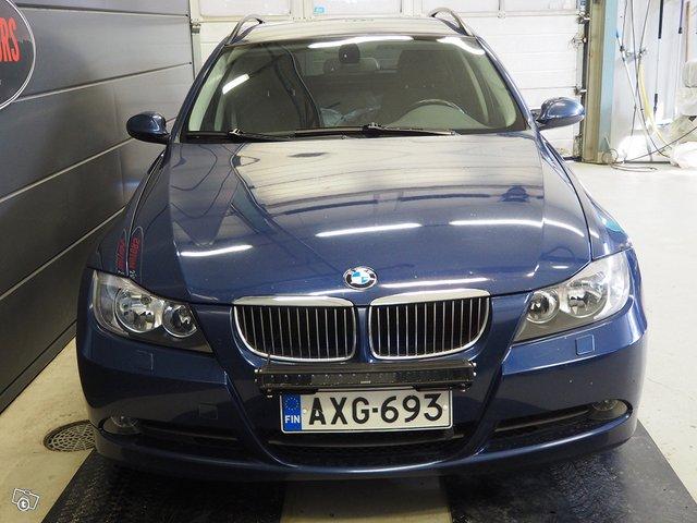 BMW 325xi 5