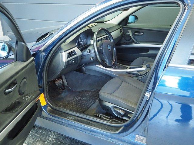 BMW 325xi 6