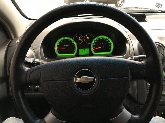 Chevrolet Aveo 10