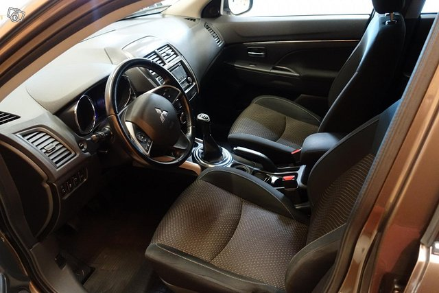 Mitsubishi ASX 9