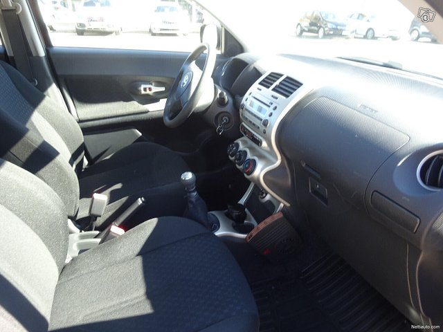 Toyota Urban Cruiser 10