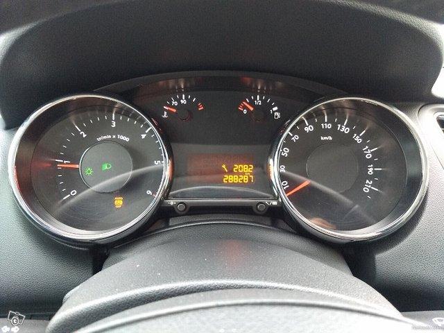 Peugeot 5008 10