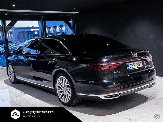 Audi A8 11