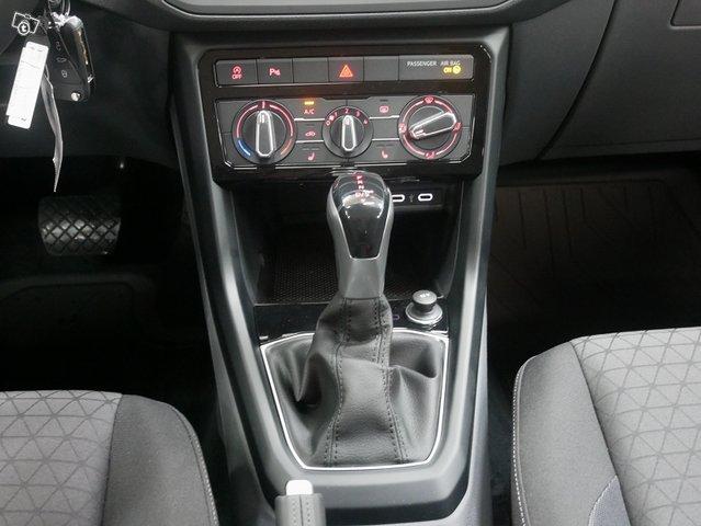 Volkswagen T-Cross 9