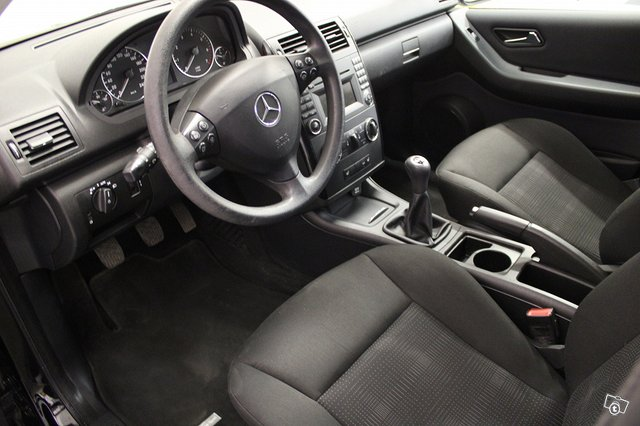 Mercedes-Benz A 160 7