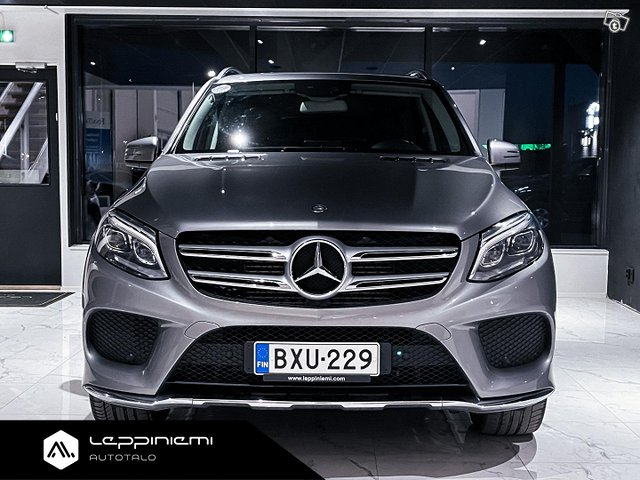 Mercedes-Benz GLE 2