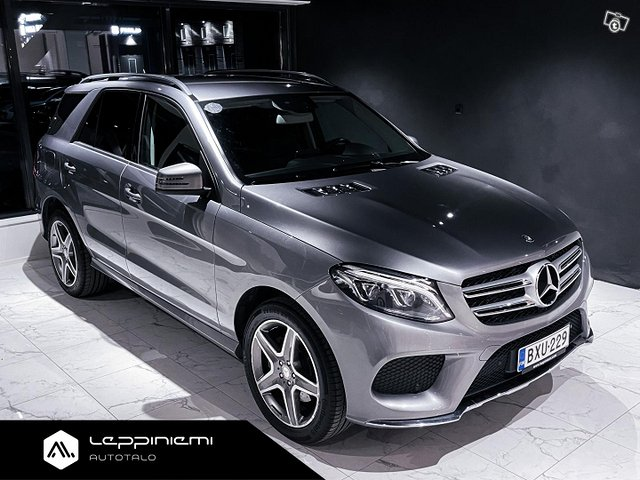 Mercedes-Benz GLE 7