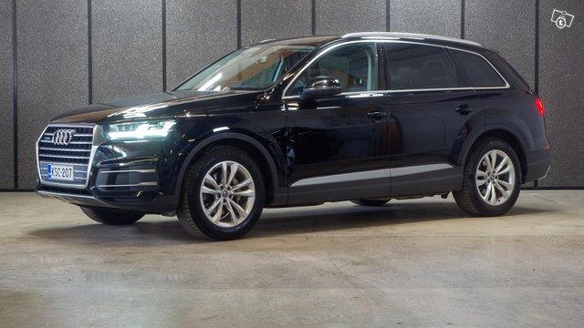 Audi Q7 1