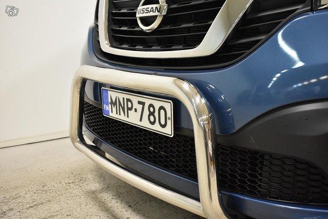 Nissan NV300 14