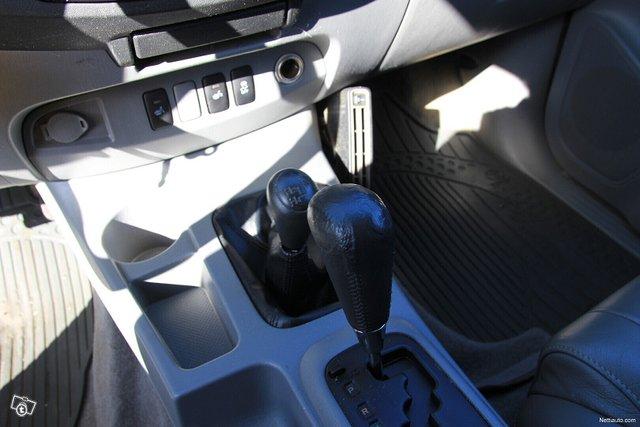 Toyota Hilux 18