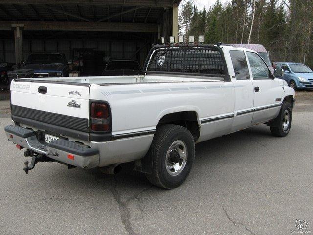 Dodge Ram 2500 5