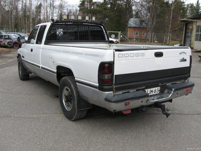 Dodge Ram 2500 6