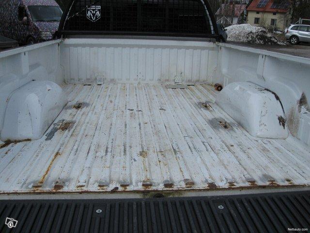 Dodge Ram 2500 9