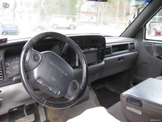 Dodge Ram 2500 15