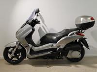 Yamaha X-MaX -06