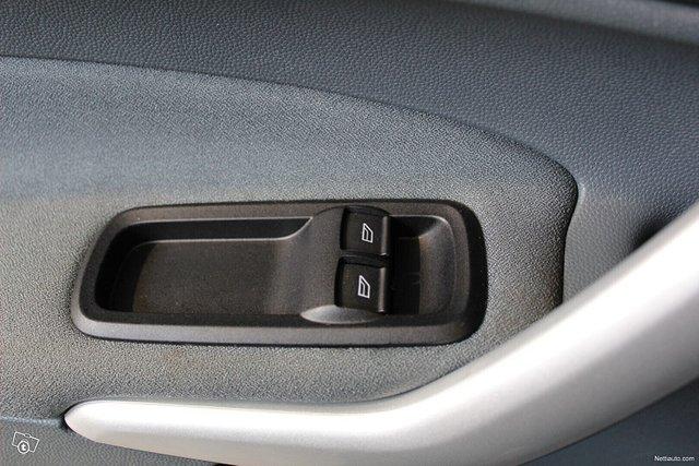 Ford Fiesta 18
