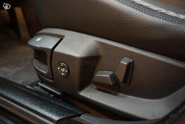 BMW 525 12