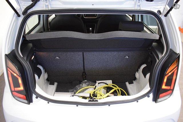 Volkswagen Up 13