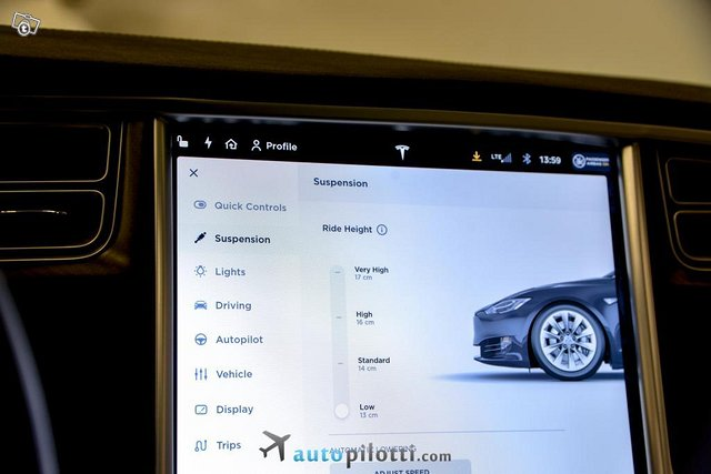 Tesla Model S 19