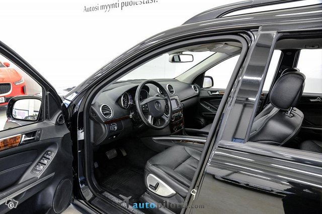 Mercedes-Benz GL 12