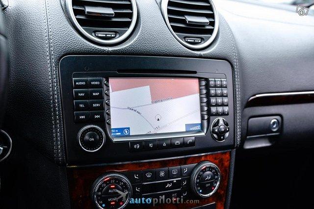 Mercedes-Benz GL 22