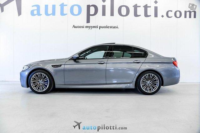 BMW M5 2
