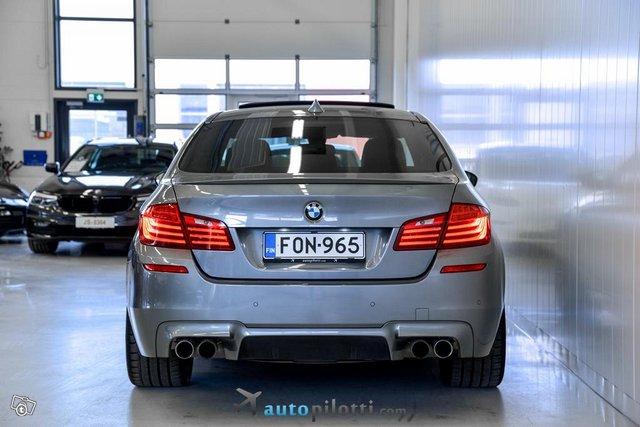 BMW M5 4