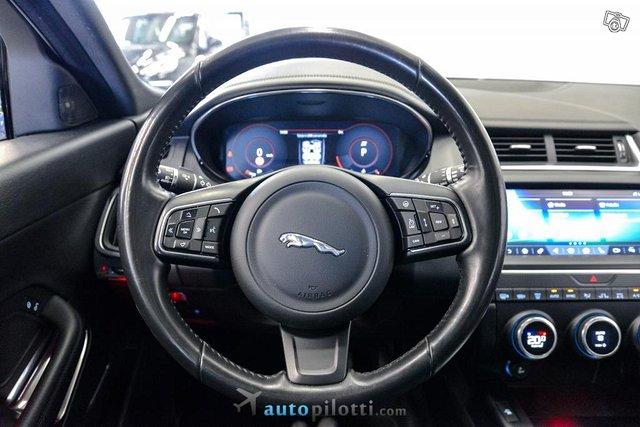 Jaguar E-Pace 12