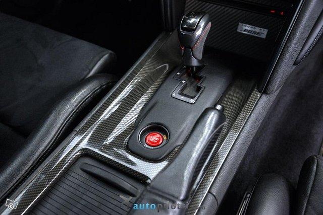 Nissan GT-R 24