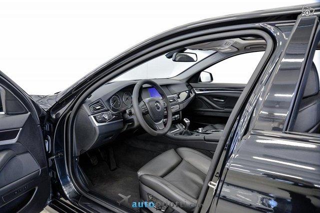 BMW 528 9