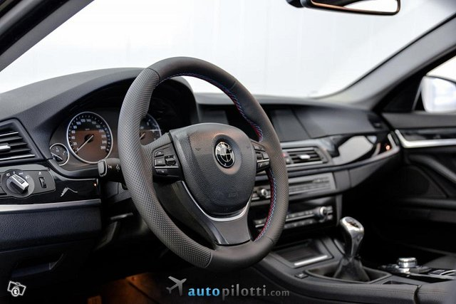 BMW 528 19