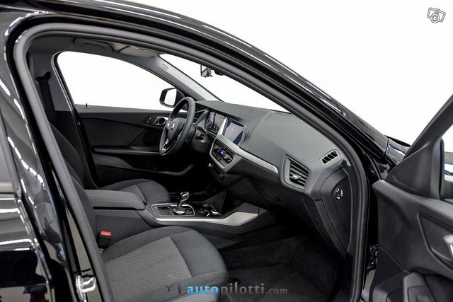 BMW 118i 11