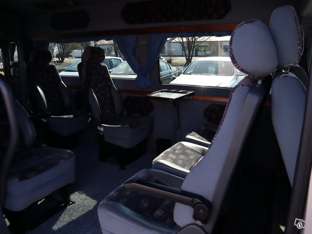 Ford Transit 300L 10