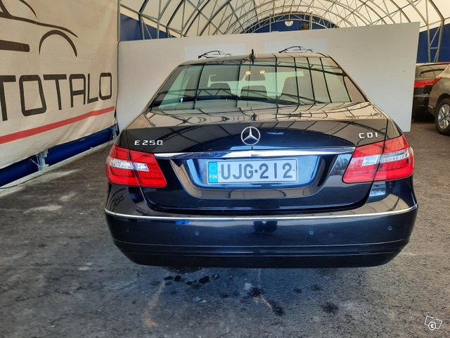 Mercedes-Benz E 250 CDI 6