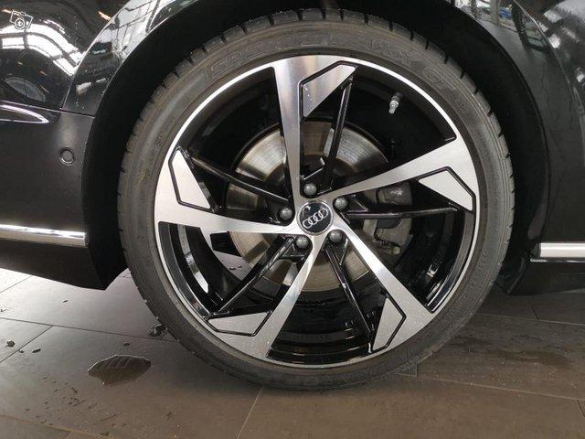 Audi A8 12