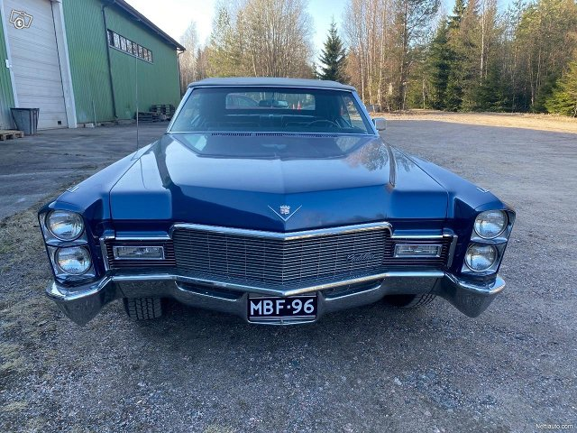 Cadillac De Ville 2