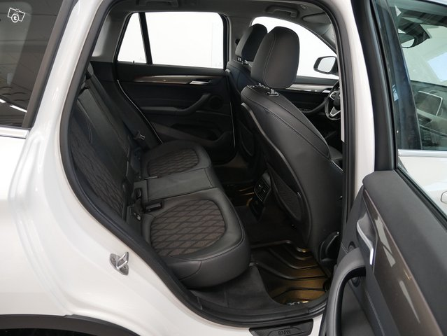 BMW X1 9