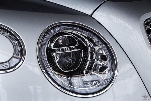 Bentley Bentayga 5