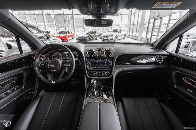 Bentley Bentayga 11