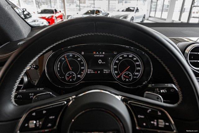 Bentley Bentayga 14
