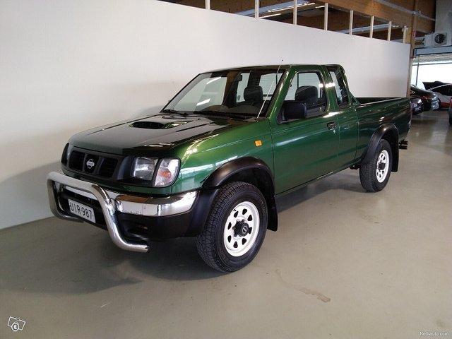 Nissan Pickup 6