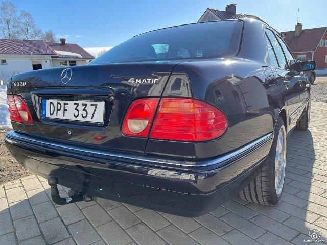 Mercedes-Benz E320 4matic 224hv 8