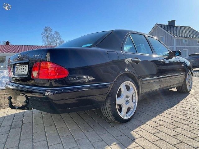 Mercedes-Benz E320 4matic 224hv 10